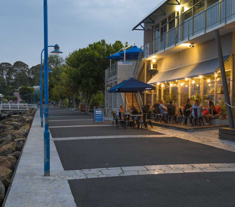 Denhams Beach restaurants